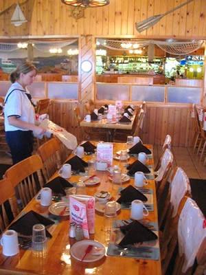 lobster server at empty tables